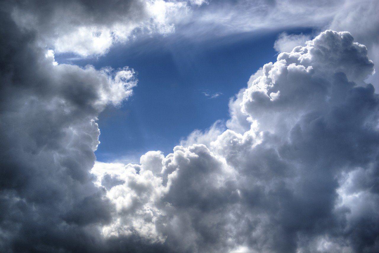 Die Wolkenlücke steht für das Empfinden, wenn sich das Körpergefühl verbessert